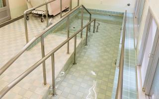 一般浴槽(ゆるやかなスロープ付き)